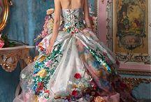 Beautiful Gowns / by Jamie Schultz