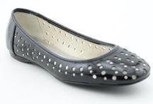 Women's Shoes / by Jan Silverson