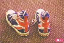 Zapatos / by Ana Valencia