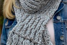 Knitting loom / by Rockin Robyn 2