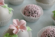 Cakepops/balls / by Lucy's Mom