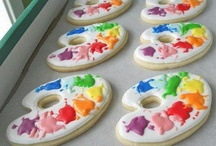 Cookies & Cupcakes / Yummy and too pretty to eat cookies and cupcakes  / by Lisy Lopes-Ross