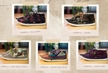 shoes & bags / by Scrappy van Doo