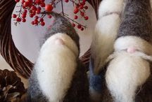 Holiday Decoratin / by Shannon Kennedy-Kahler