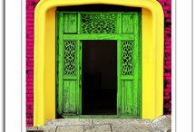 colorful inspiration / Color combinations that I love.... / by Helga Strauss