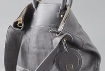Love a cute bag / by Trish Cawood