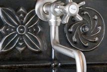 Kitchen backsplash / by Lori Klujeske-Rodriguez