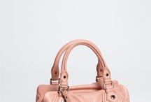 purses / by Yina Cruz