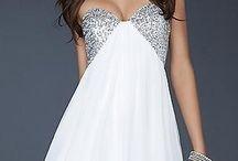 Dresses / by Savannah Teiken