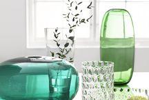 Ukrasi / Svoje najdraže uspomene objesi na zid. Posadi malo zelenila i pokaži da ti i to uspijeva (ili se posluži umjetnim cvijećem). Kakvu god dekoraciju odabereš, neka te vodi tvoja osobnost. Jer, jedino tako prostor u kojem živiš može postati mjesto koje ćeš zvati domom. / by IKEA Hrvatska