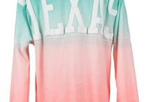 Longhorn Looks for ACL / Find the best Longhorn-themed festival outfits here! / by University Co-op