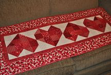 Quilted Table Runners / by Ruth-Ann Burton