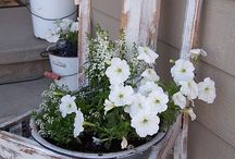 Small Front Porch Ideas / by Julia Darley