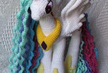 Crochet / by Cheyenne Smidt