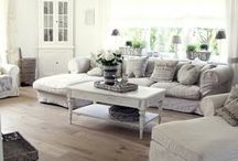 Lovely Livingrooms and Family Rooms / by DIY Show Off