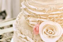 Wedding Cakes / by Nise P.