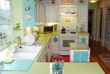 Kitchens / by Ashley Castagnetto