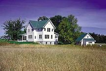 Exteriors / I'm just a plain girl that grew up in the country. All my best childhood memories are of life on the chicken farm and my grandparents mini farm. I don't like fancy houses! But one like these, I hope to raise our family in one day!  / by Lindsay Rich