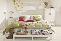 Bedroom designs /   / by Julia Vogel