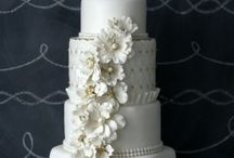 wedding cakes / by Michelle Swancey