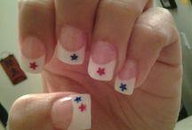 nails / by Elizabeth Roper