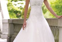 Dresses and Rings - Wedding / by Marissa Veilleux