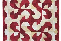 Quilts-Drunkard's Path / by Kim Grace