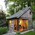 Tiny House / by Melody Loewen