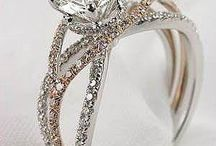Engagement Rings / by Iffa A