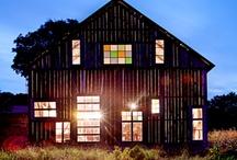 Barns / by Angelique Tisserand