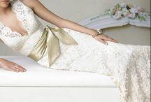 Wedding Dress / by Rachel Hellenbrand
