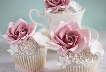 All things cake! / Cake and cupcakes decorating ideas and recipes / by Emilia Cruz