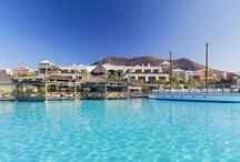 H10 Rubicón Palace, Lanzarote / El H10 Rubicón Palace se encuentra en Playa Blanca, al sur de Lanzarote. Este resort cuenta con todas las comodidades para unos días de descanso: Despacio Thalasso Centre, una selecta oferta gastronómica, servicio Privilege y nueva zona infantil con barco pirata (Daisy Adventure). www.hotelh10rubiconpalace.com / by H10 Hotels