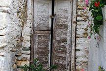 Doors / by Karin Caspar