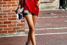 Fashionista / by Tia Noel