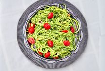Food - Pasta Dishes / by Crystal Barnett-Sheaves