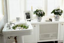 Small Bathroom Ideas / by DIY Home Remodel