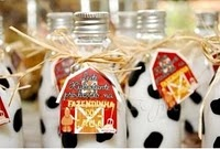 {Barn/Farm} Party / Barn or Farm party ideas and inspiration on www.partyfrosting.com / by Party Frosting
