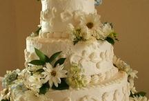 Weddings Cakes / by Elan Lanae