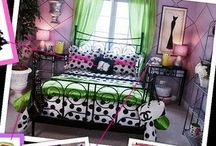 Julia room ideas / by Shelly Adorjan