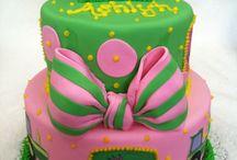 beautiful cakes / by Susie Neider