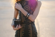 Totally dress obsessed ! / by Adriana TL