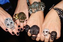 skulls / by Nicole Dupre