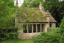 Cottages / by Claudin van Rensburg