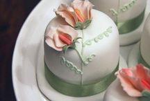 Cupcakes / by Bonita Patterns