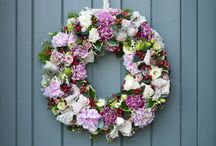 A Vintage Christmas / #Vintage Christmas styling for the home. / by Interflora - The flower experts