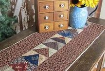 Tabletoppers and Little Quilts / by Leslie M