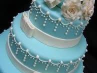 Cake Decorating Ideas / by Molly Amundsen