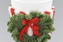 ❤️ Christmas crochets and knits ❤️ / by Emily Czarnomski