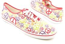 Love Peace signs :)  / by Kristen Mize